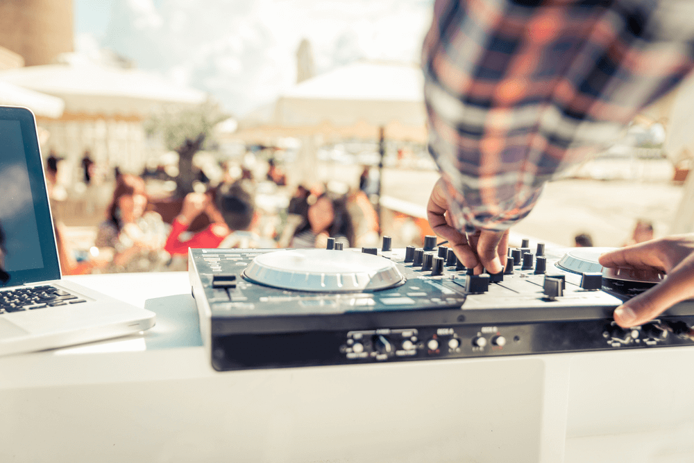 10 Essential DJ Tips And Equipment For Pros And Beginners